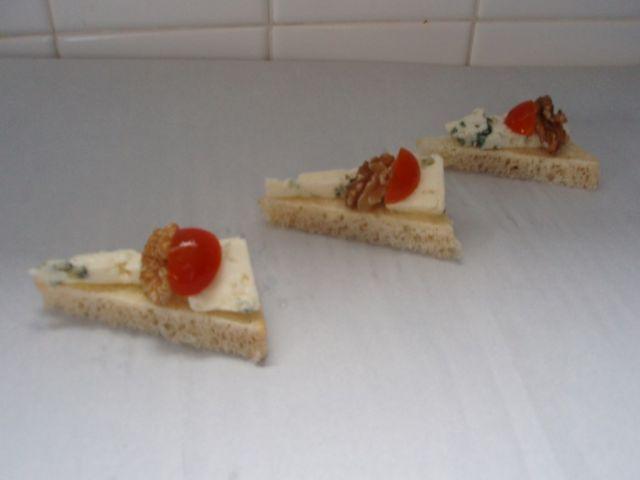 Toast noix roquefort
